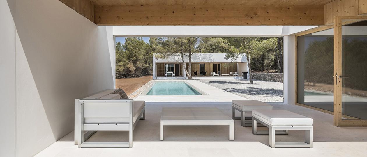 隐入自然的的五个空间体块 西班牙卡西莫住宅
